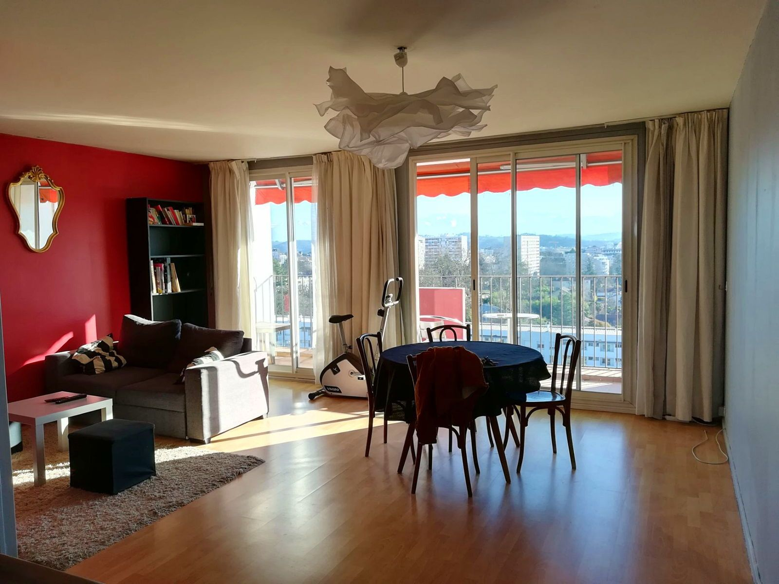 Loue appartement T4/5 de 85m²- avenue Kennedy - Pau (64)