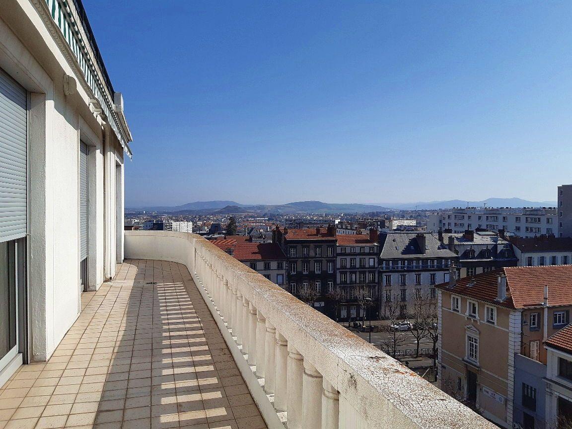 Loue très bel appartement de 6pièces sur Clermont-Ferrand centre (63) - 145m²