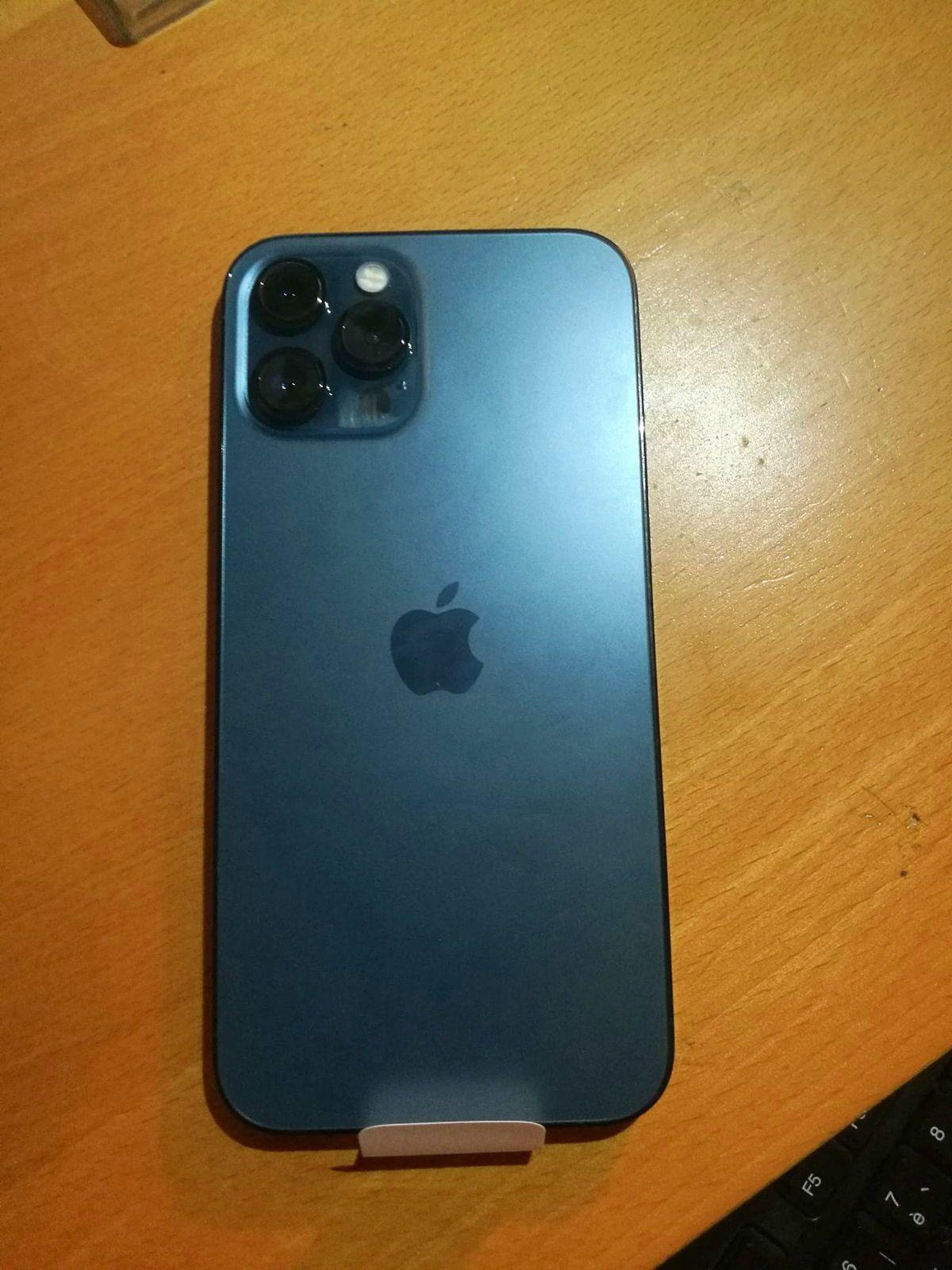Apple Iphone 12pro max bleu neuf