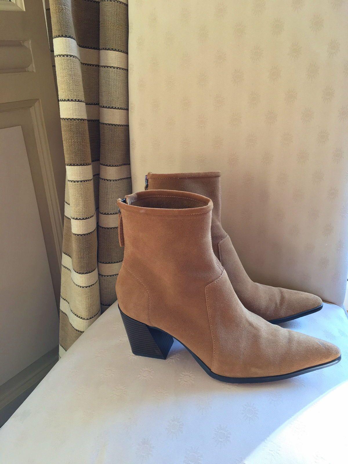 Boots daim beige pointure 39