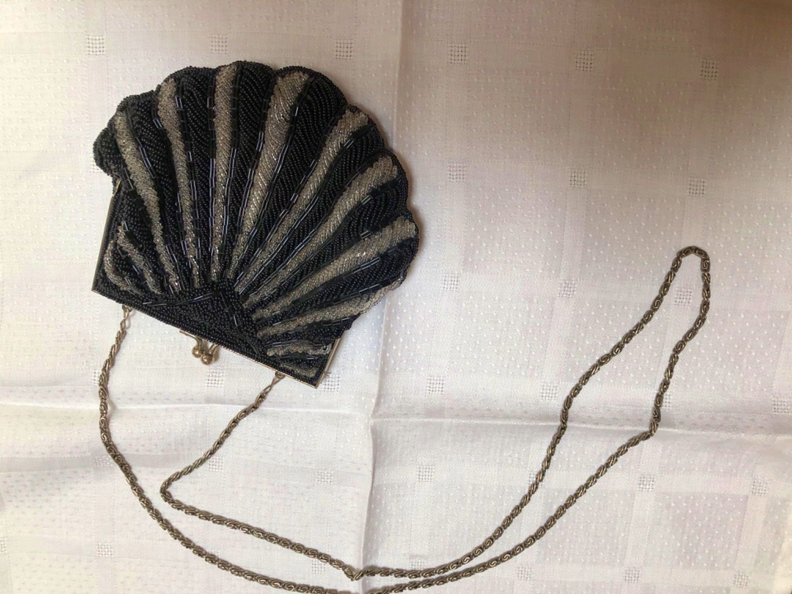 Joli sac/ bourse/ minaudière en perles vintage