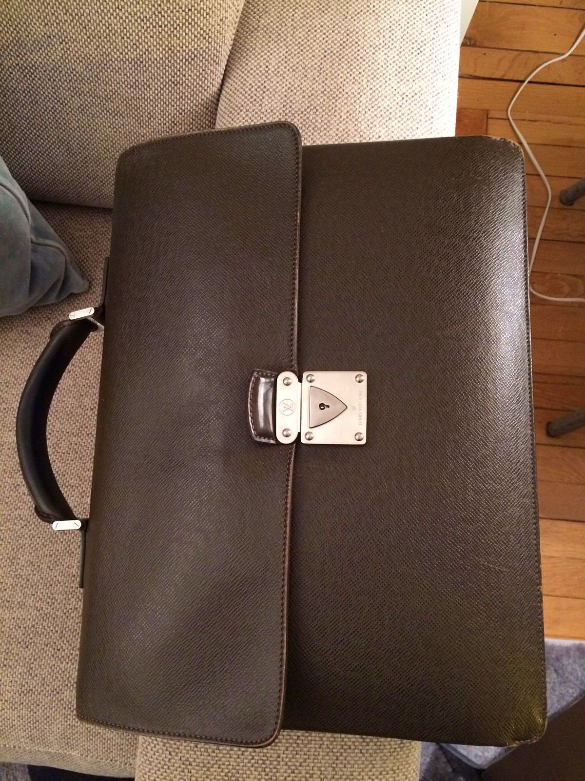 Cartable/porte document/sacoche cuir homme Louis Vuitton