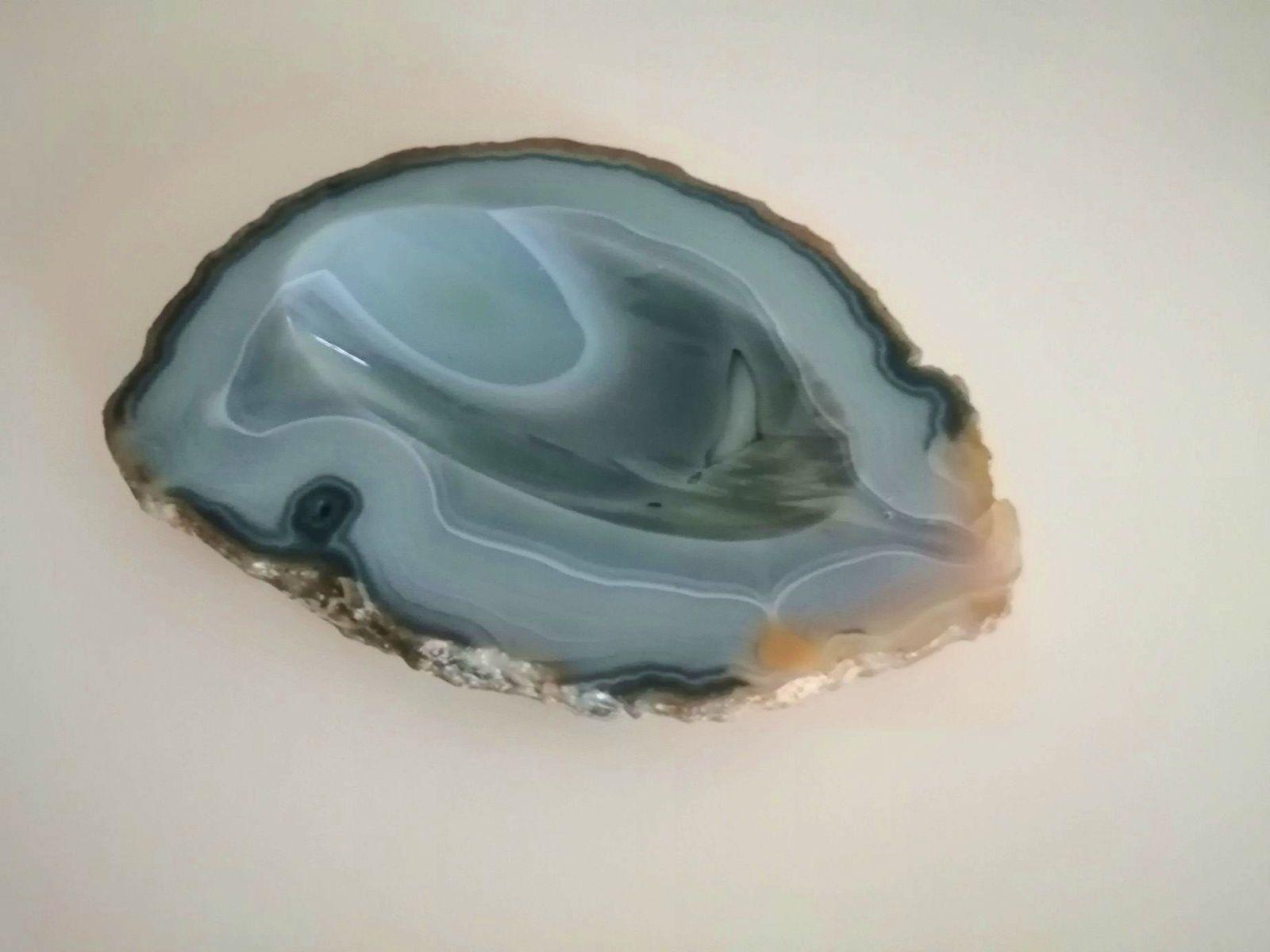 Cendrier en pierre gemme d'agate