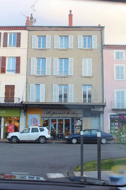Loue F4centre Issoire - 98m²