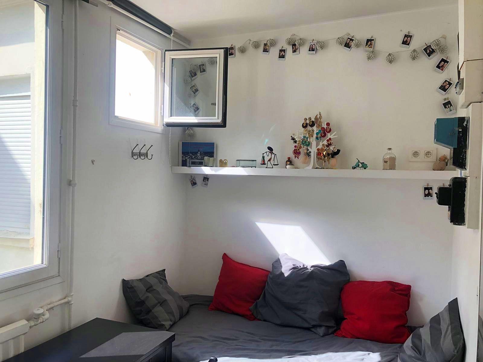 Loue chambre de service Paris 17ème - 9m²