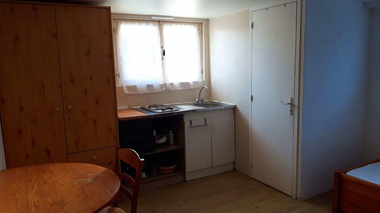 Loue chambre/studio meublé étudiant(e) à Caen (14), quartier Hastings - 16m²