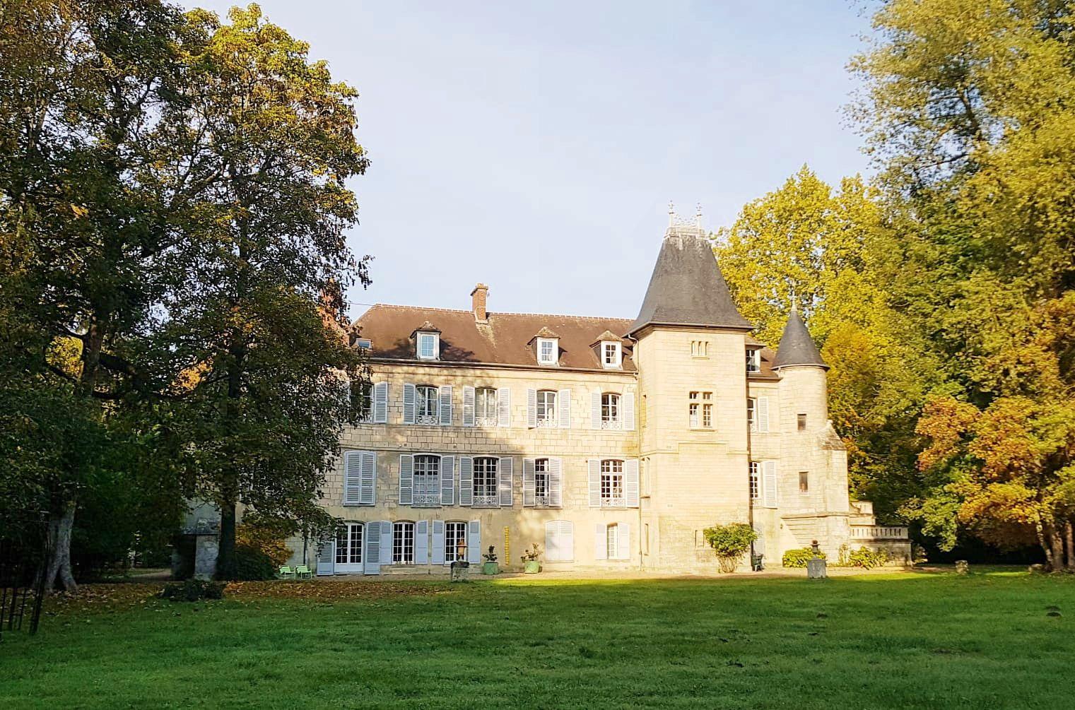 Loue T5, 3chambres, 150m²dans un château à 10km de Compiègne, Saintines (60)