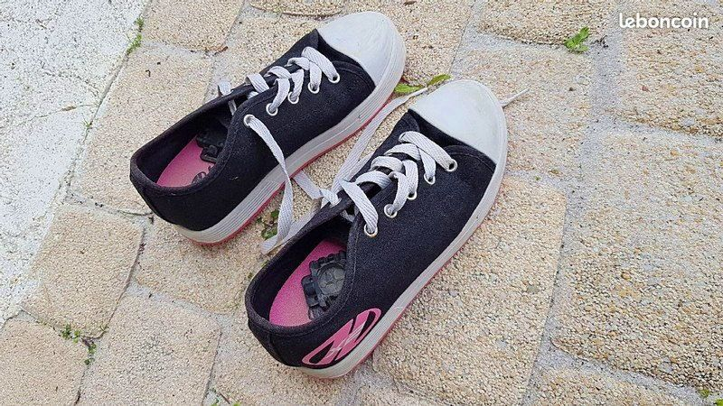 Chaussures baskets avec roues Heelys taille 35