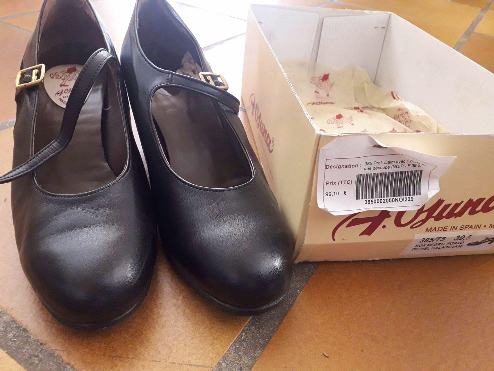 Chaussures flamenco comme neuves