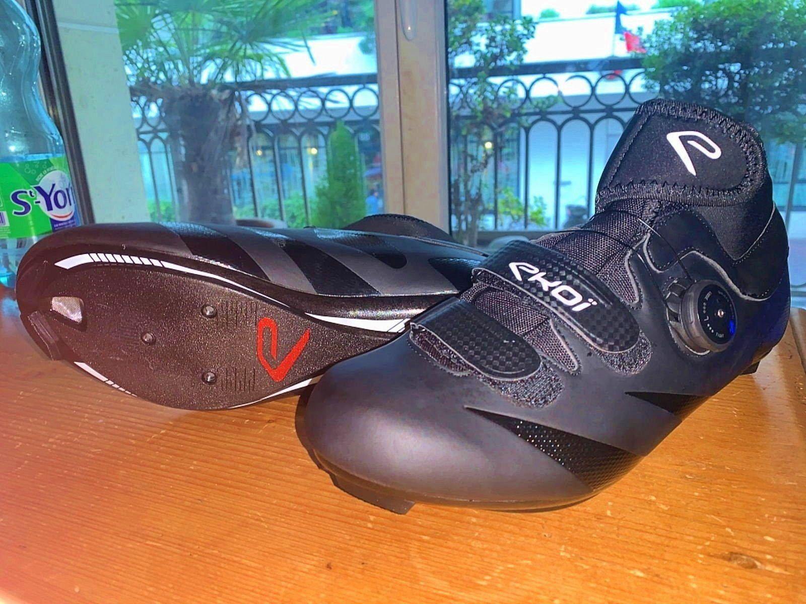 Chaussures vélo NEUVES pointure 42