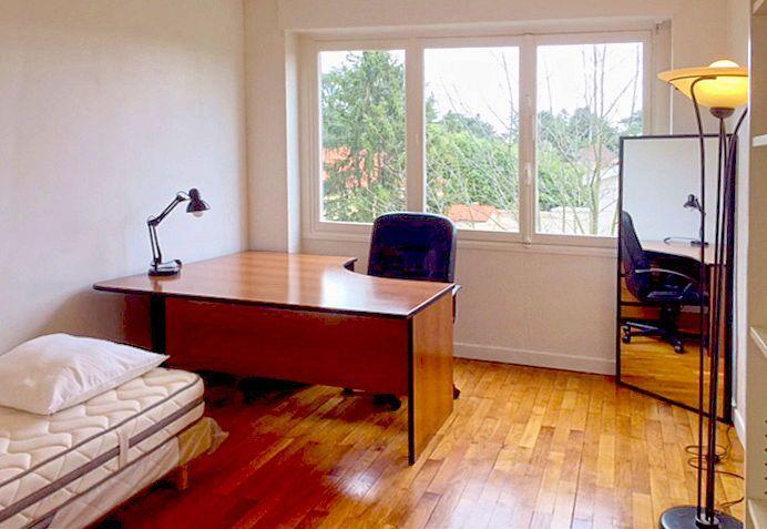 Propose chambre dans colocation 1Chambre meublée - Écully (69)