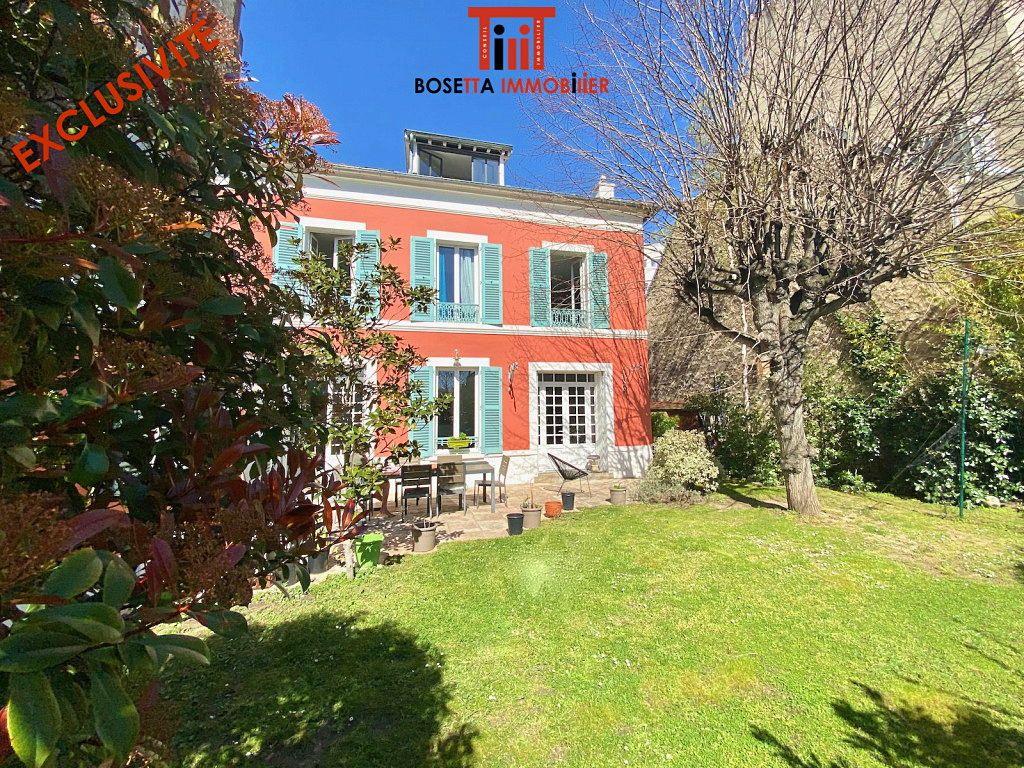 Vends Bois-Colombes (92) • maison 290m² • terrain 450m² • 4/5chambres