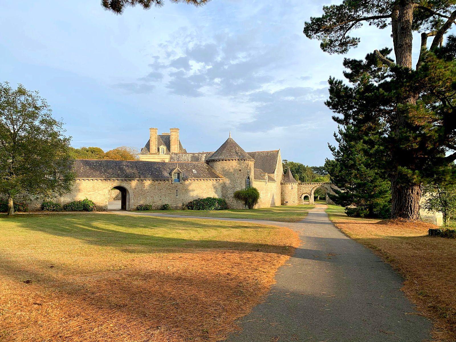 Loue gîte 8couchages à Tremohar (Morbihan) en pleine nature