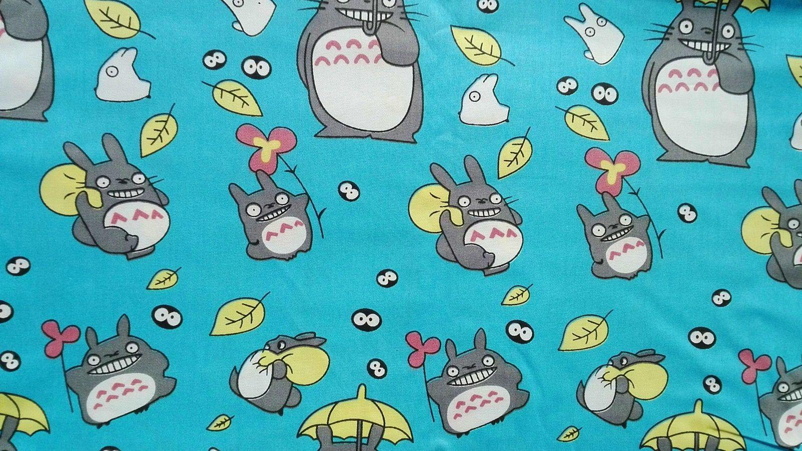 """Coupon coton imprimé Dessin animé """"Totoro """" sur fond bleu"""