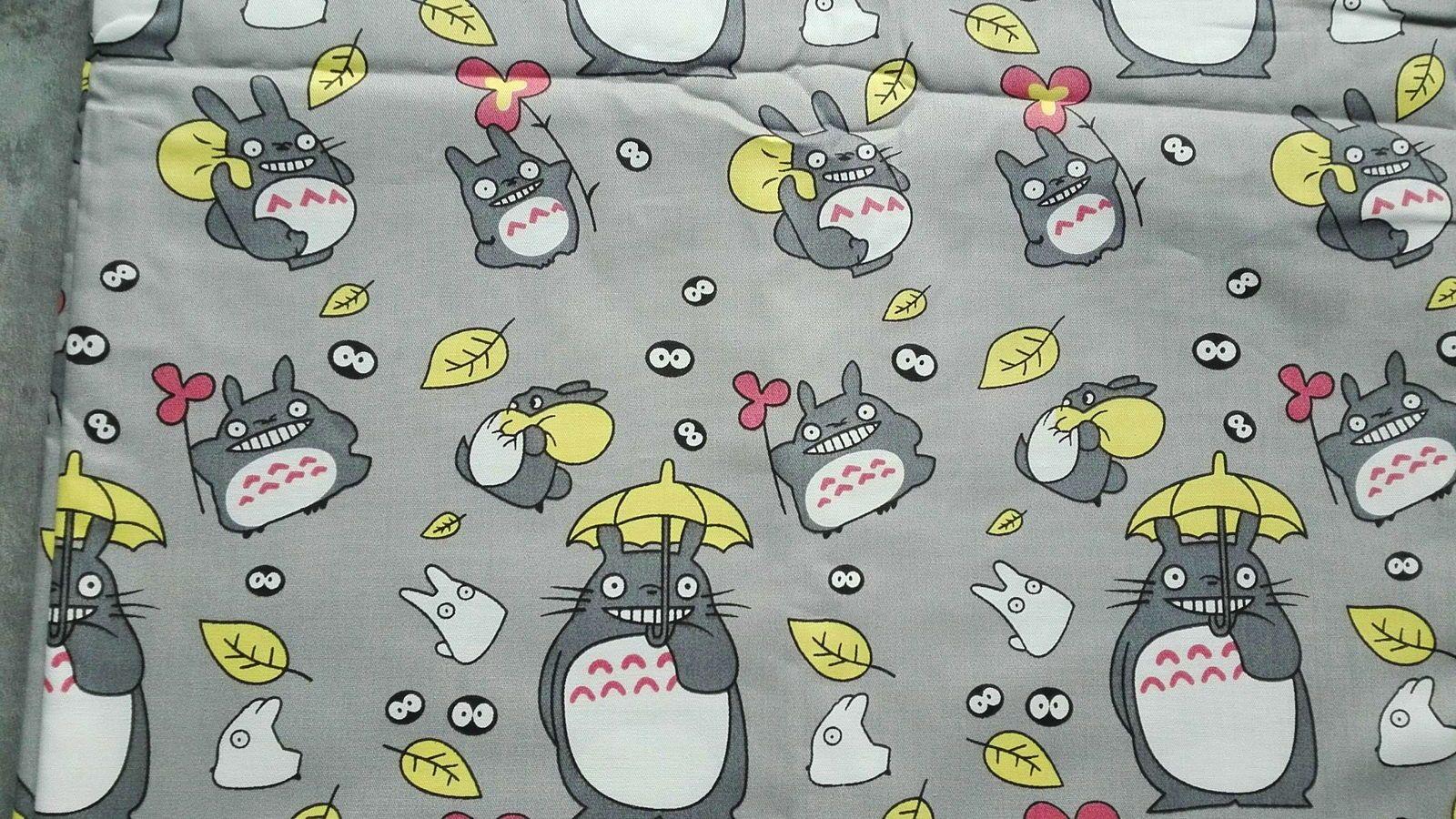 """Coupon coton imprimé Dessin animé """"Totoro """" sur fond gris"""