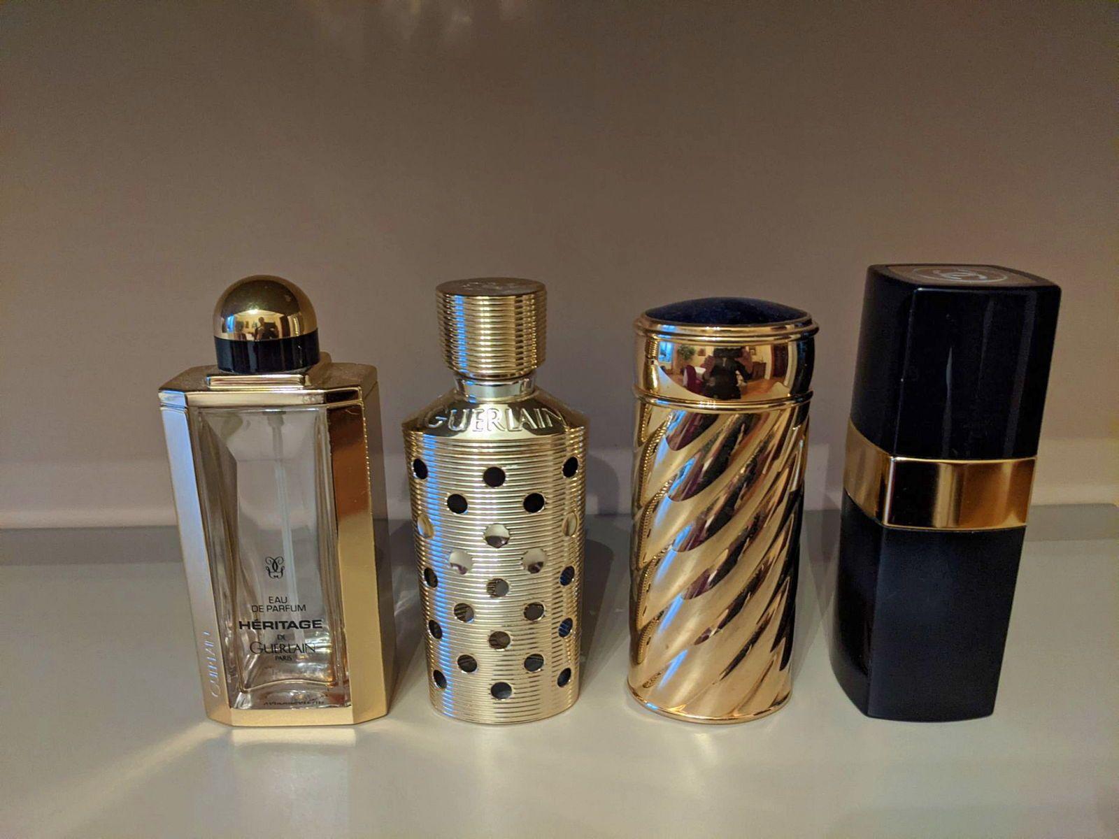 Vends étuis métal doré pour recharge parfum