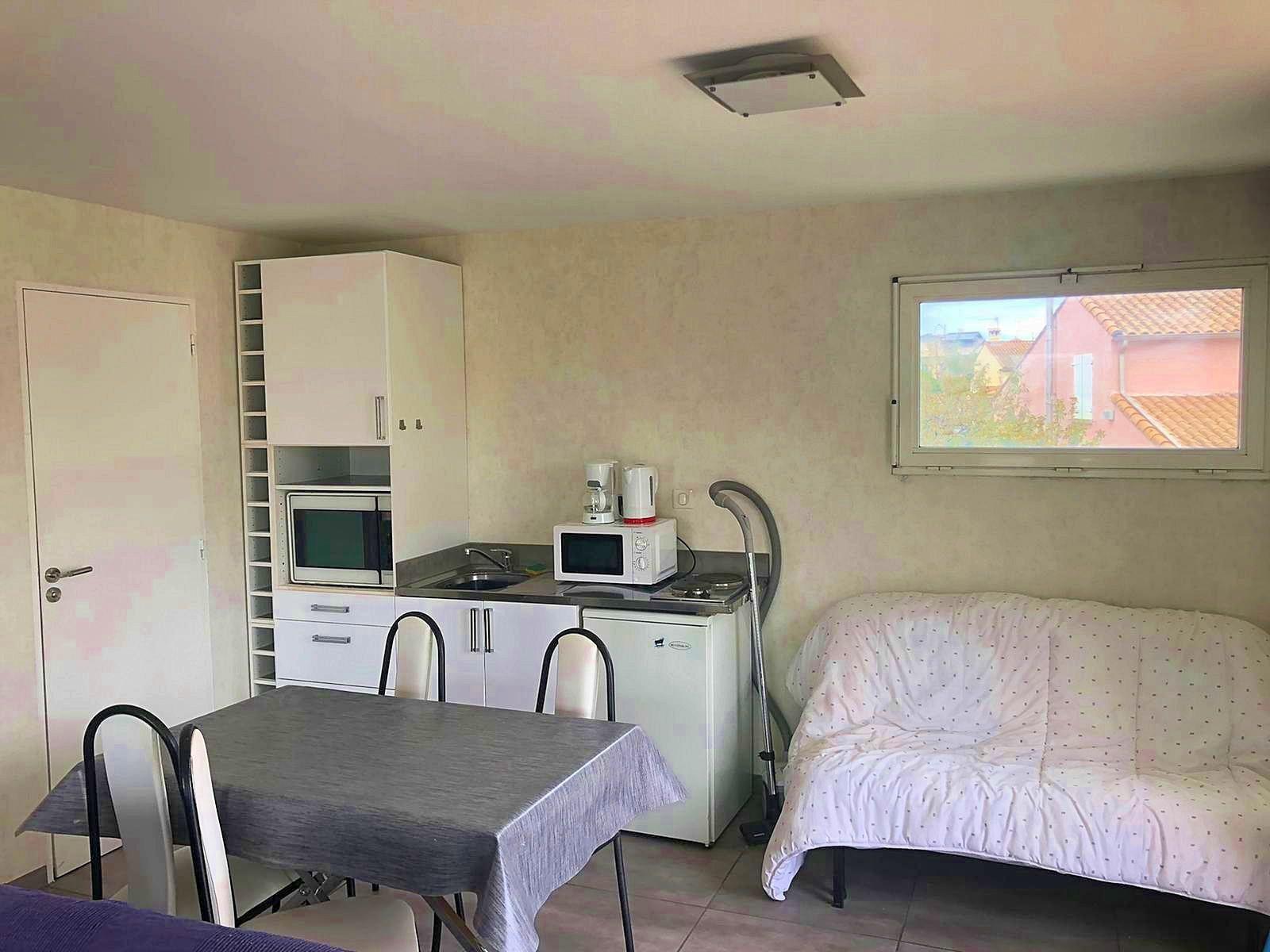 Loue grand studio 26m²+ terrasse 50m² - Pérols centre - proximité Montpellier