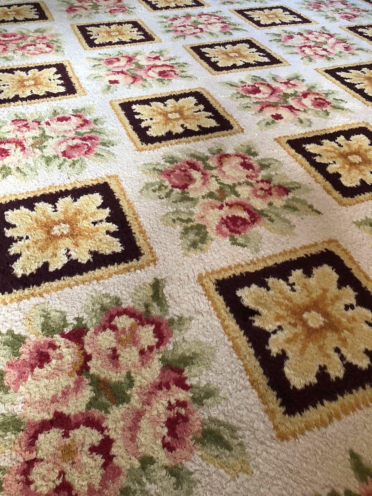 Vends grand tapis d'Aubusson