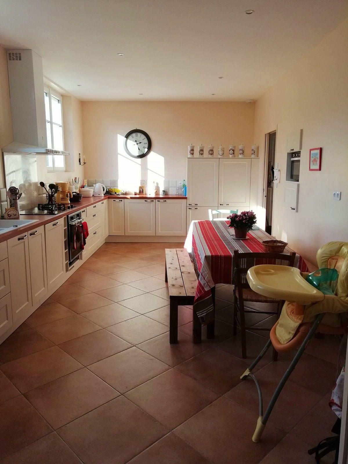 Loue une grande maison entièrement rénovée, de 250m² - 20couchages - Solesmes (72)