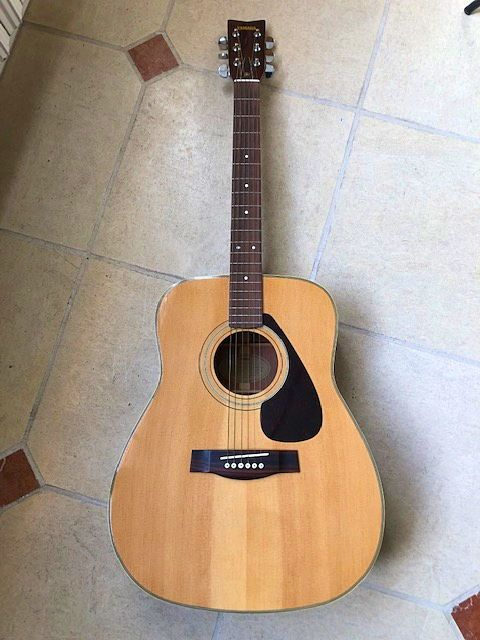 Guitare Folk Yamaha Vintage