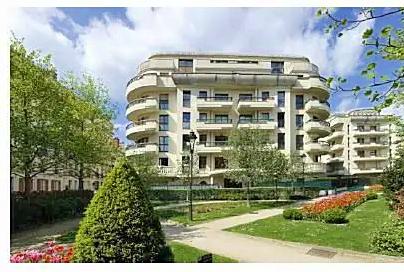 Loue appartement T3- 72m² sur jardin très lumineux + parking-terrasse-cave - Levallois-Perret (92)
