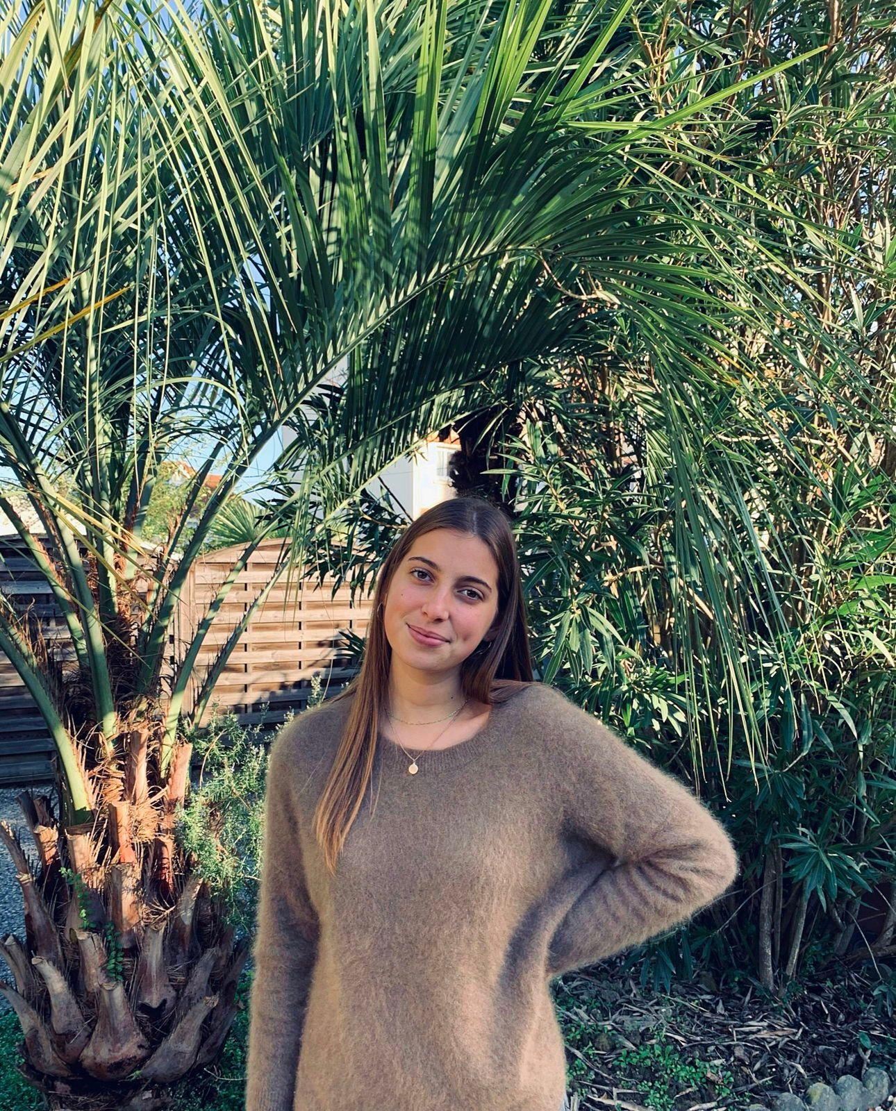 Jeune fille propose babysittings à Pau et alentours