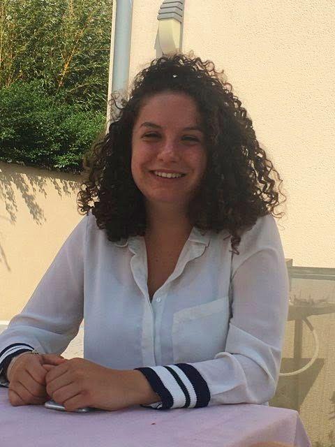 Jeune fille propose babysittings à Lambersart et Lille
