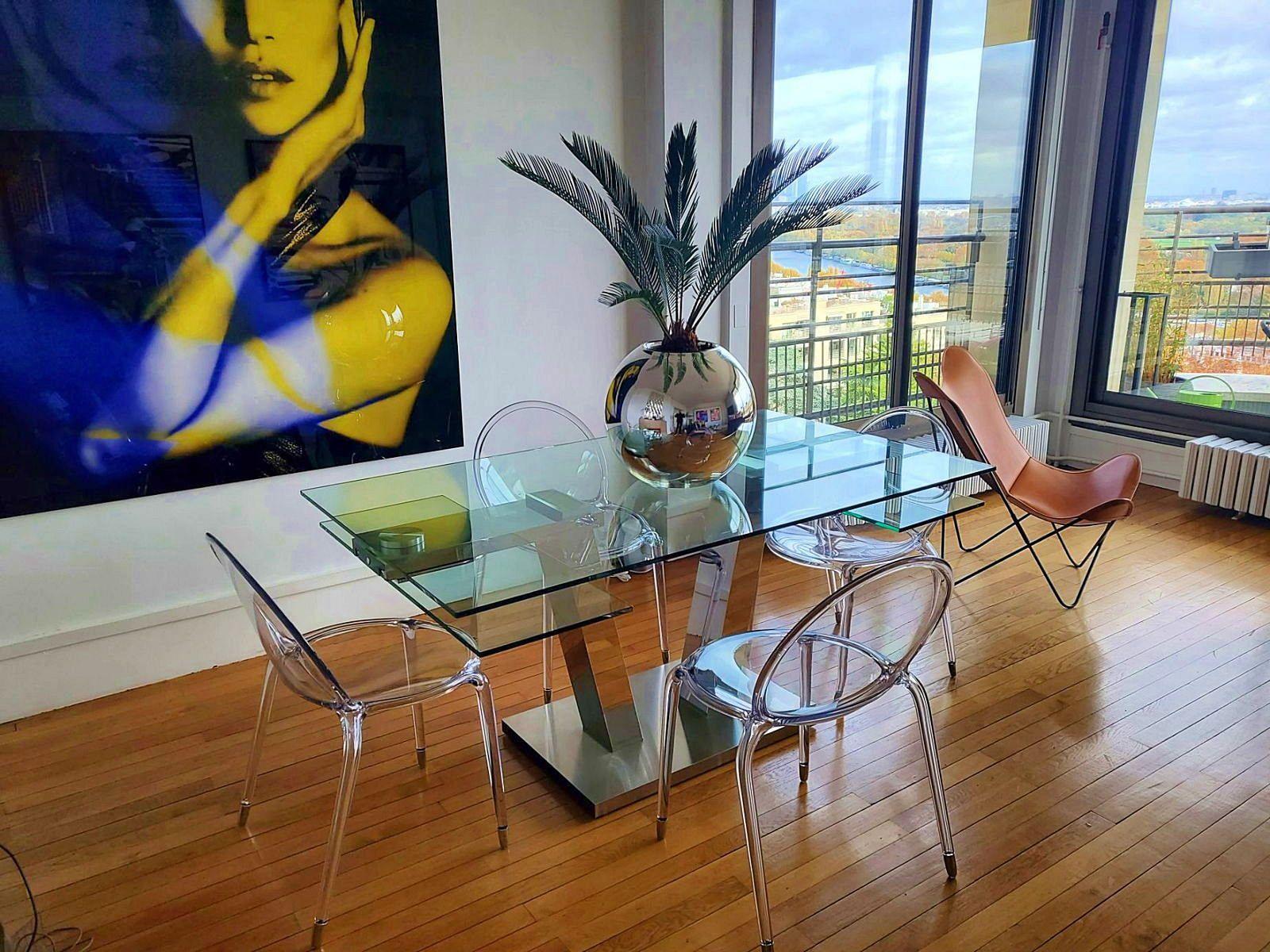Table à manger verre / plexiglass+ table basse assortie