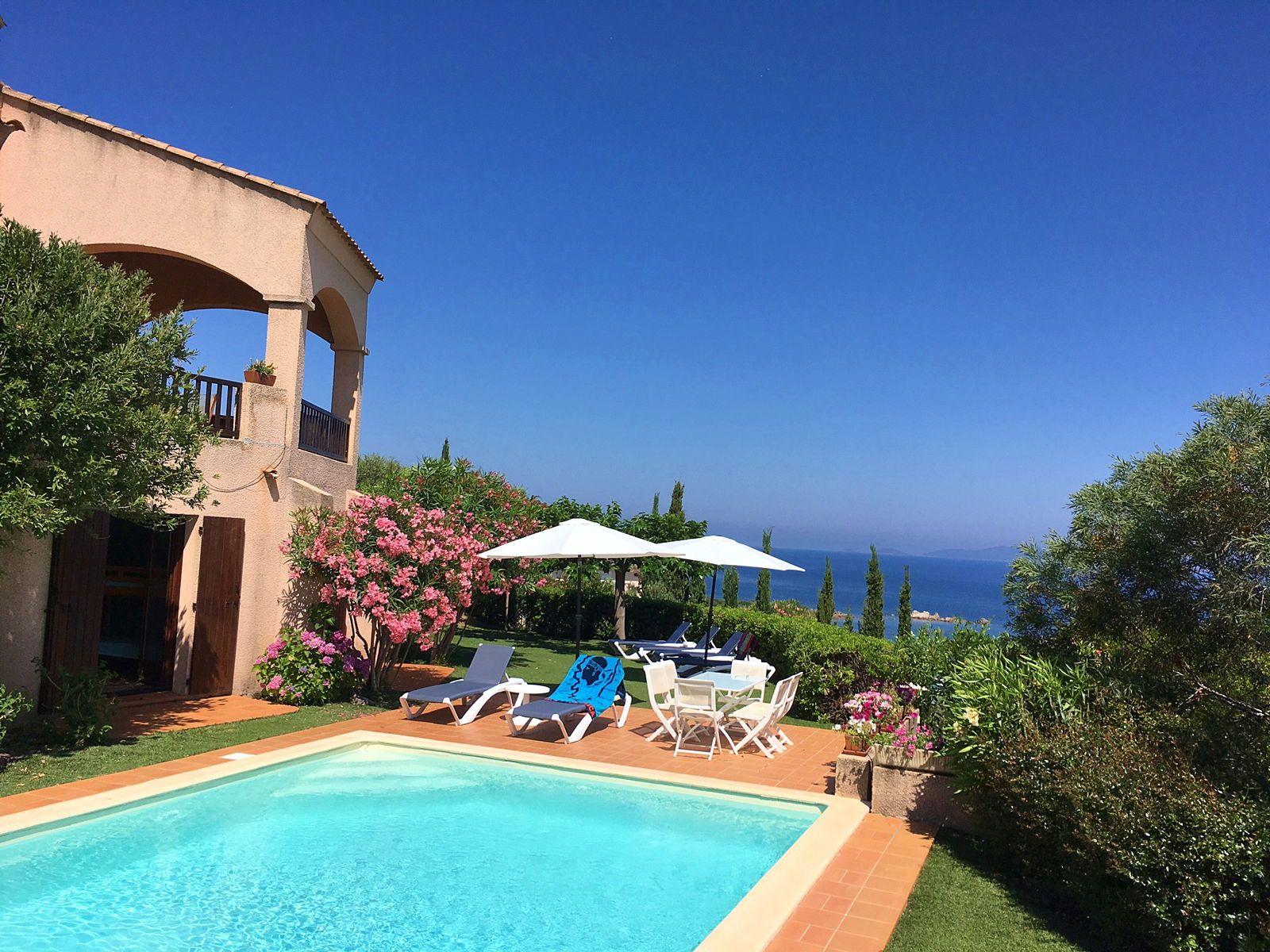 Location Villa Corse- 10couchages- Piscine Privée - Plage 5mn à pied