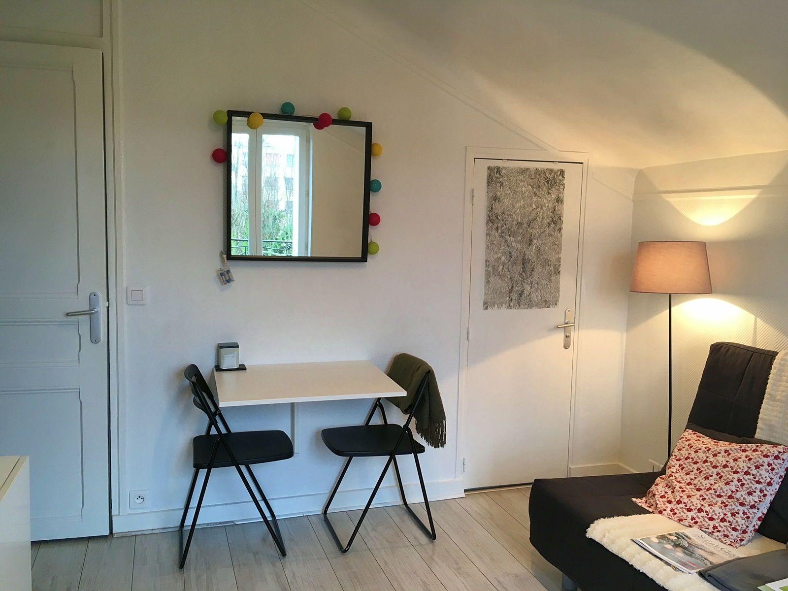 A louer joli studio à St-Cloud