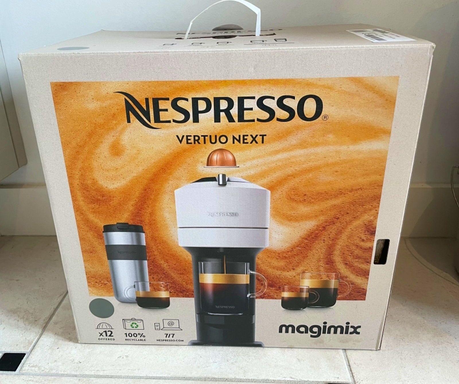 Vends machine à café Nespresso Vertuo (de magimix)