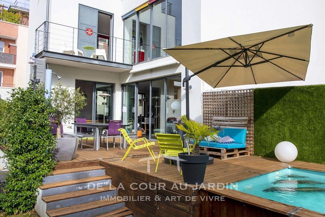 Vends Maison d'architecte avec piscine - 6chambres, 350m² - Issy-les-Moulineaux (92130)