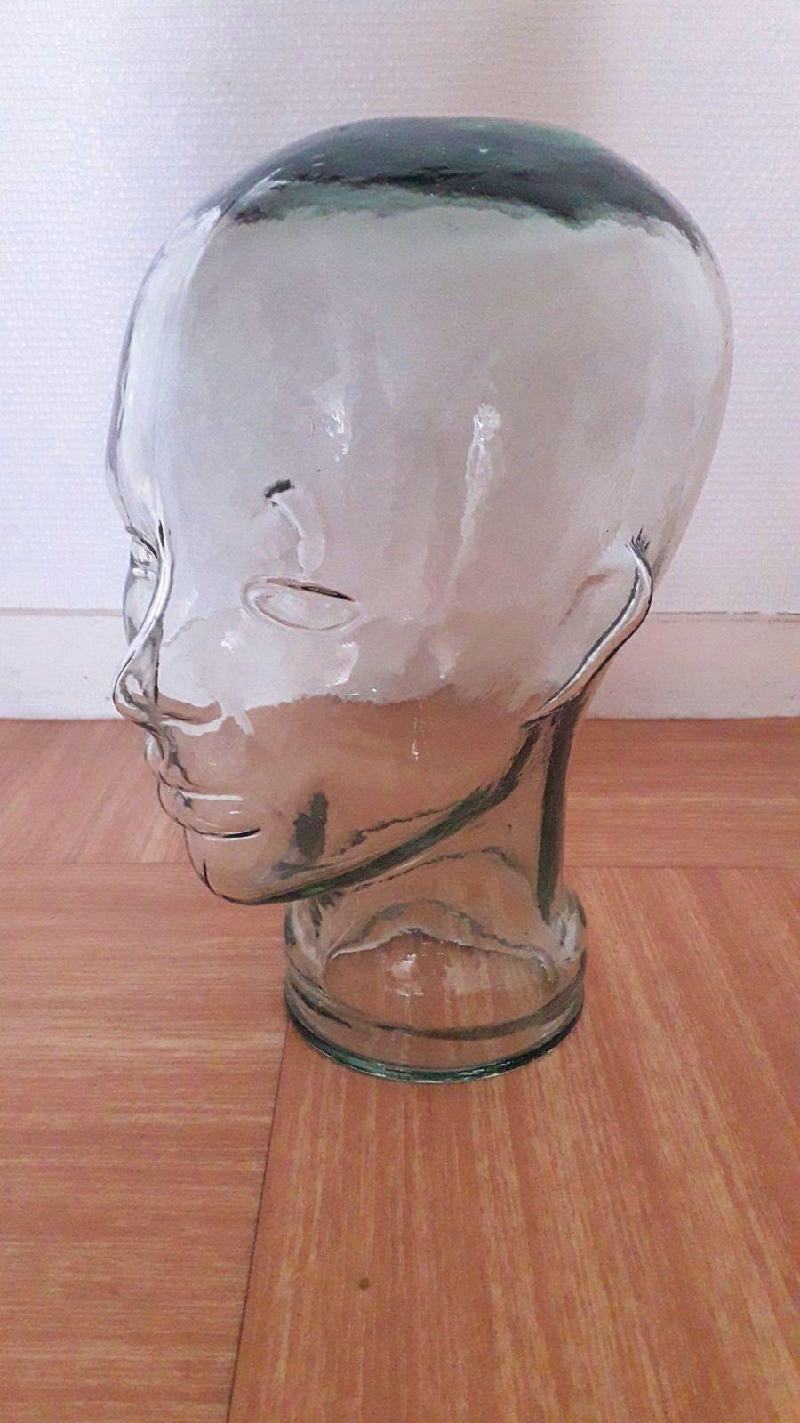 Tête de mannequin en verre