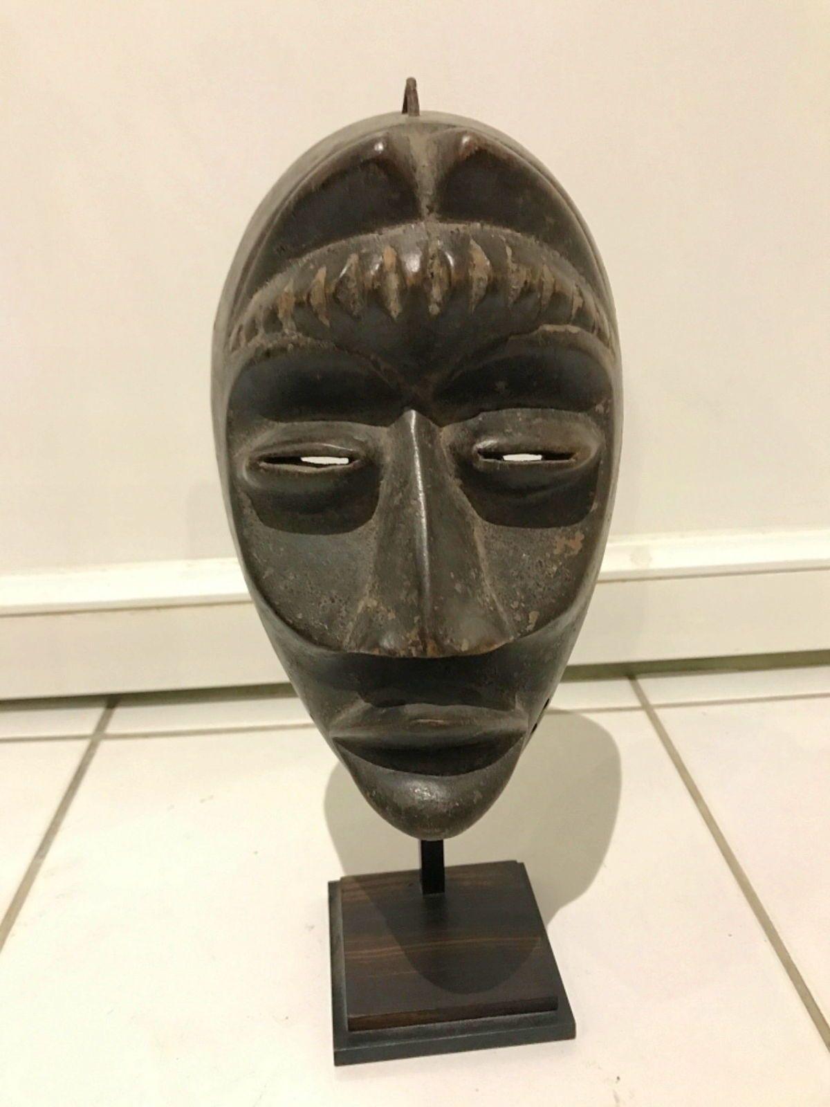 Beau masque africain
