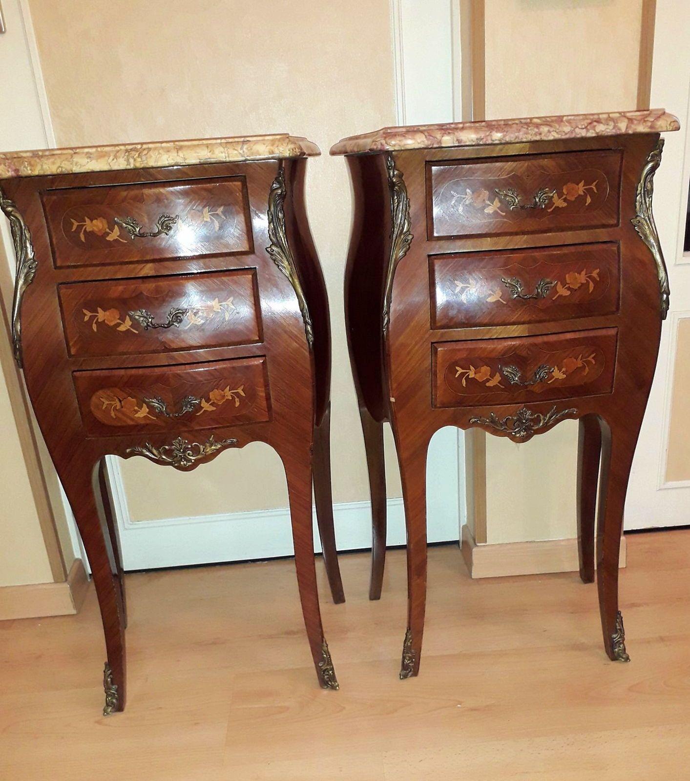 Paire de chevets de style Louis XV en bois de rose