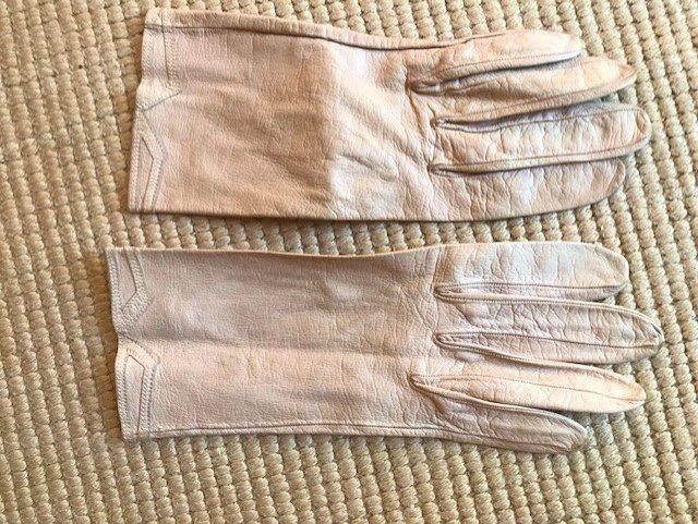 Paires de gants femme, taille 71/2en chevreau