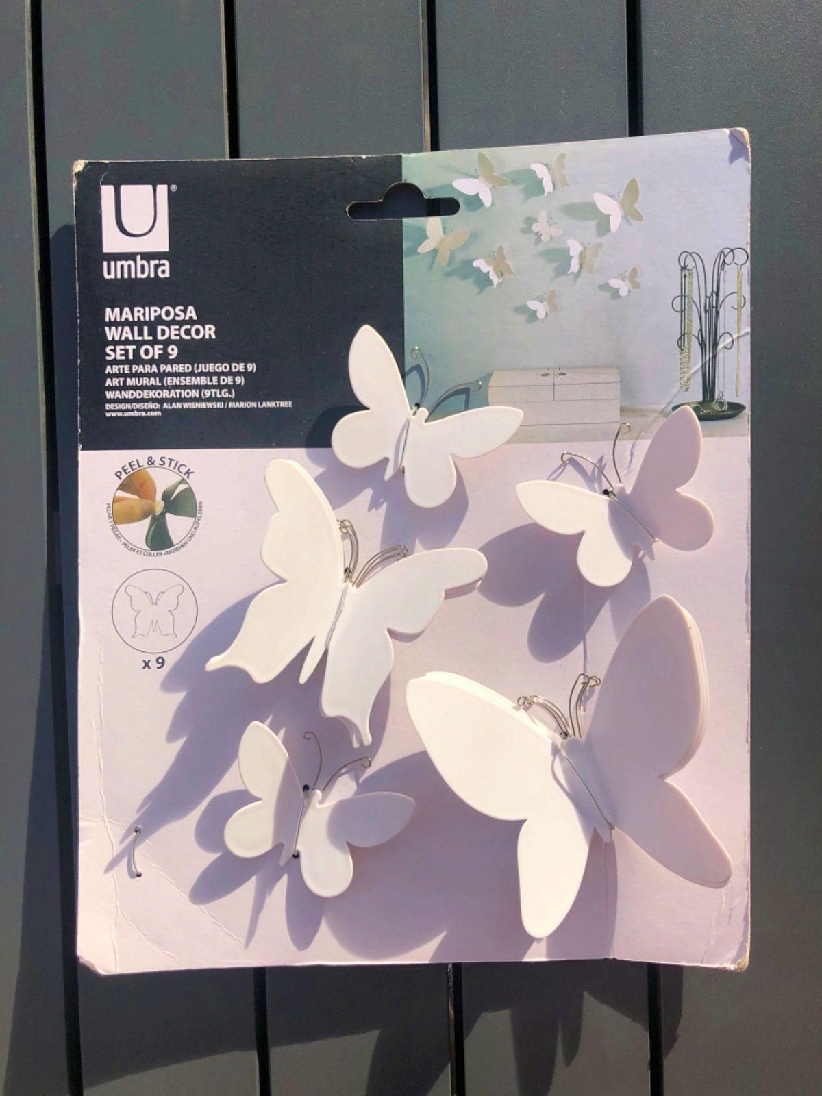 Set de 9papillons décoratifs adhésifs plastique blanc