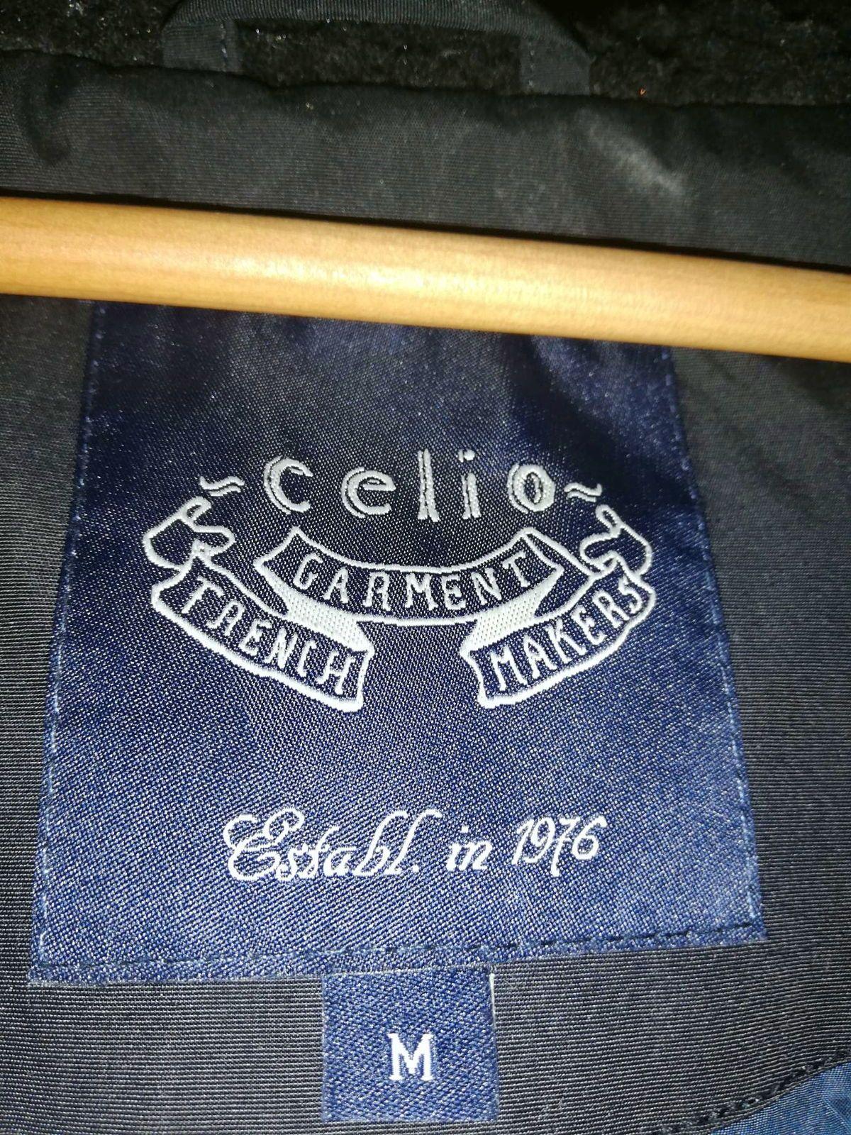 Parka Celio Noire taille M avec capuche amovible
