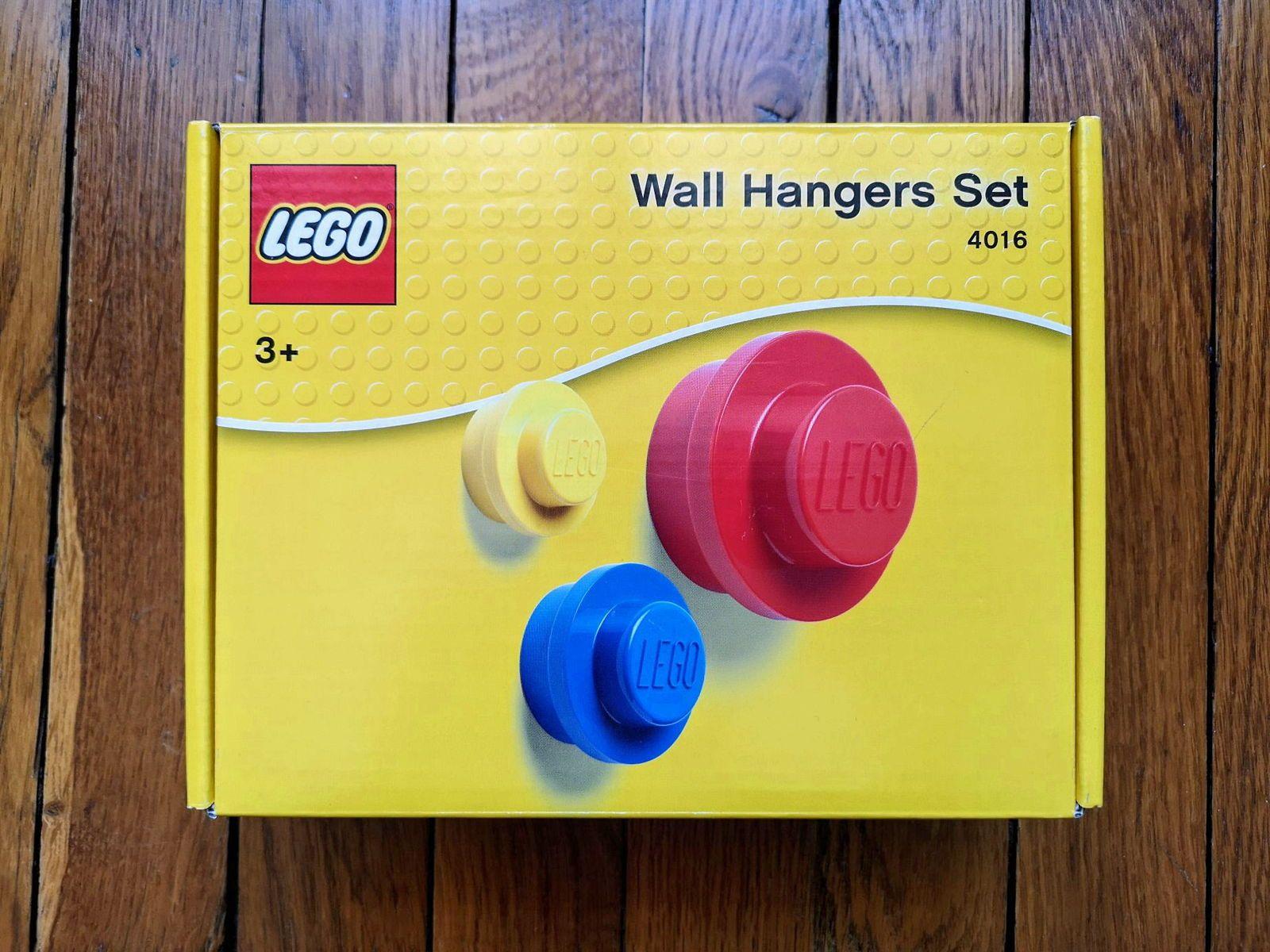 Lot de 3patères / cintres muraux LEGO rouge, bleu et jaune