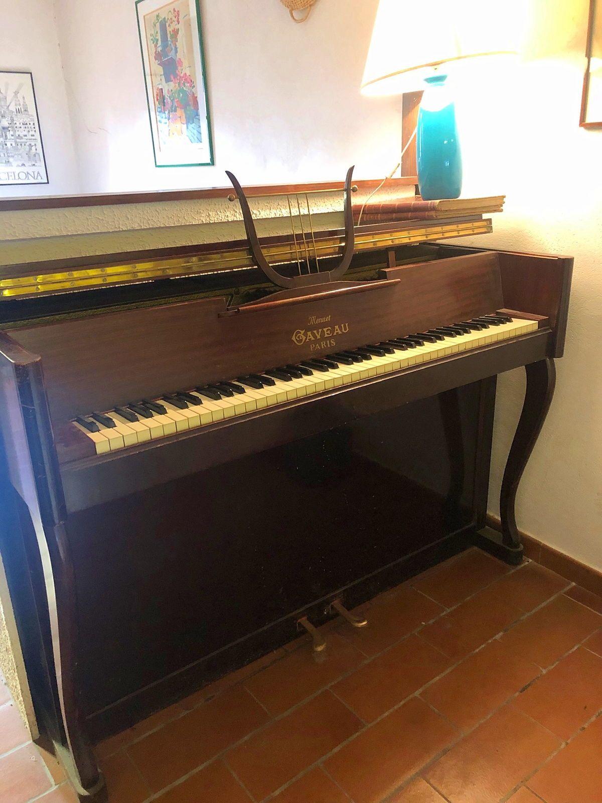 Vends un piano droit Gaveau Menuet