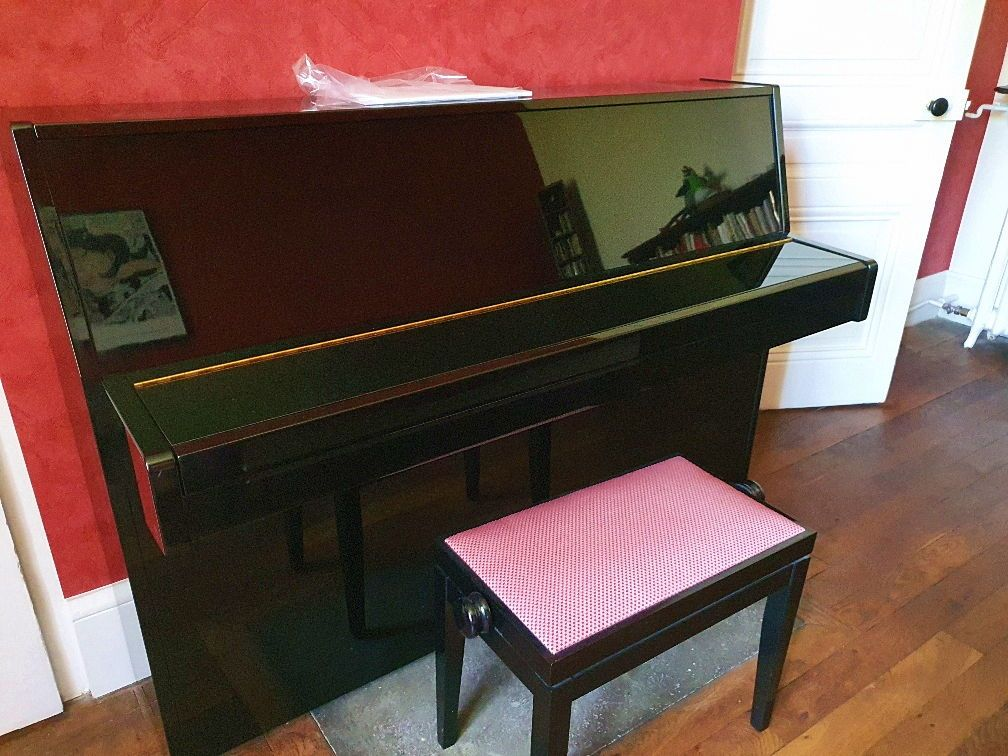 Vends Piano Yamaha E108
