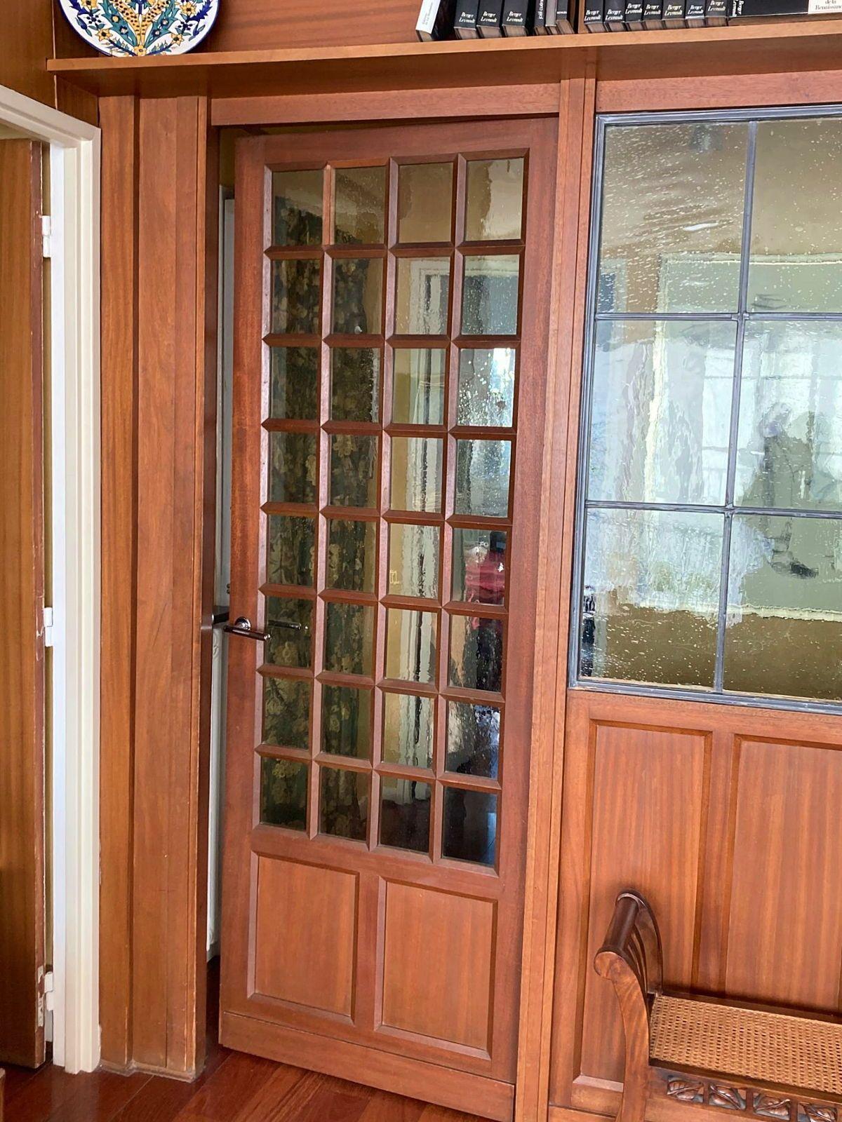 Porte pleine avec verres bulles