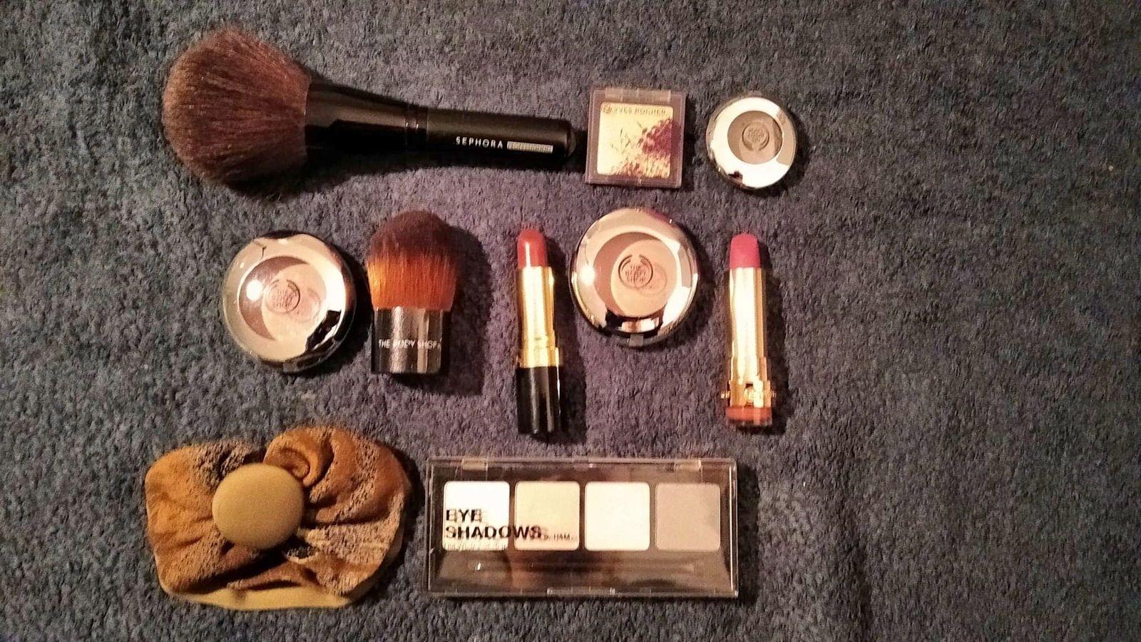 Lot de produits de maquillage variés - NEUFS