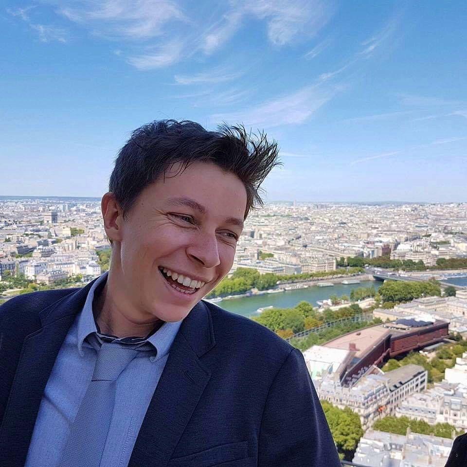 Propose babysitting occasionnel et/ou régulier Paris et Montrouge (92)