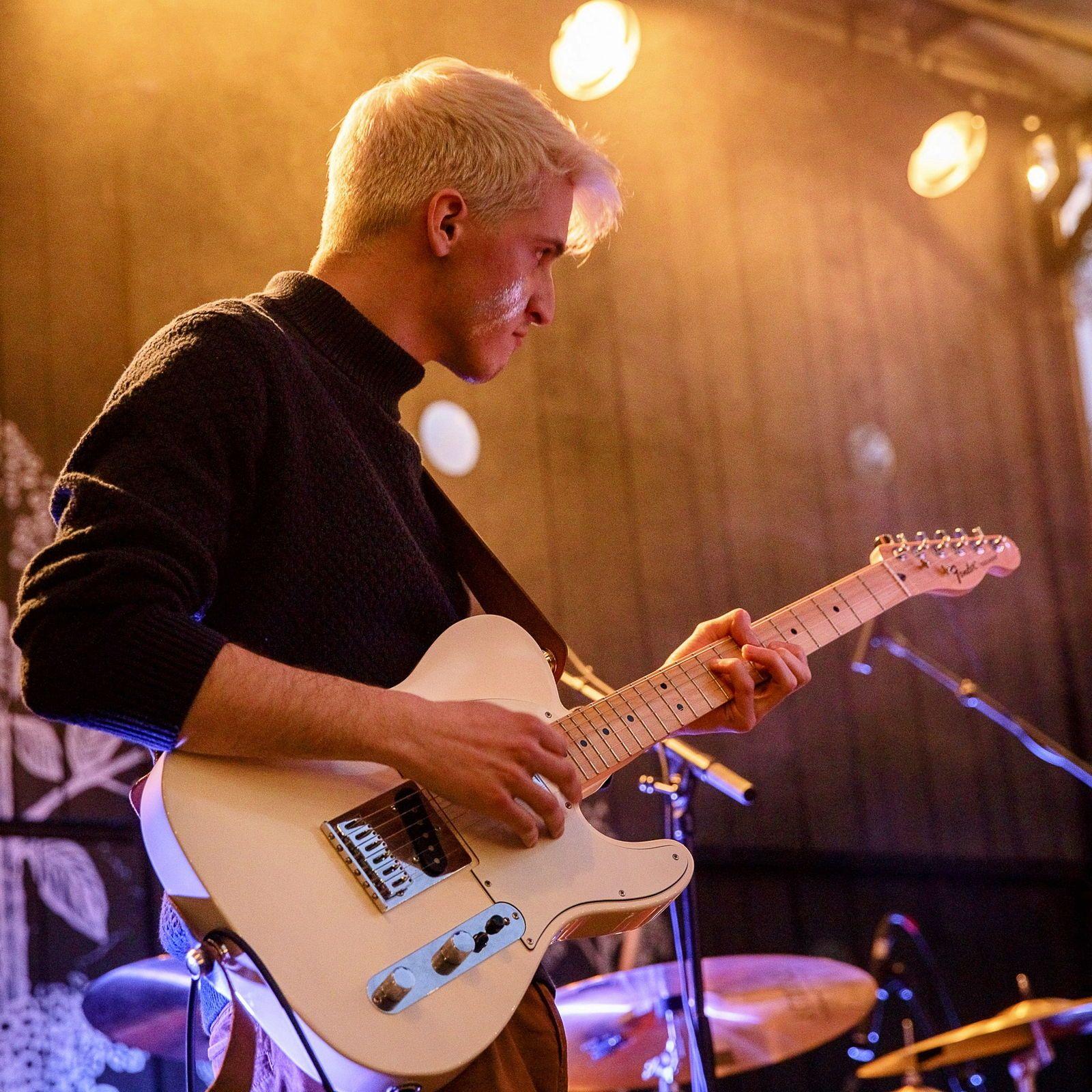 Propose cours de guitare à Tours