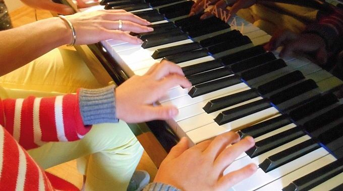 Propose cours de piano à votre domicile sur Lyon 2e ou Lyon 6e