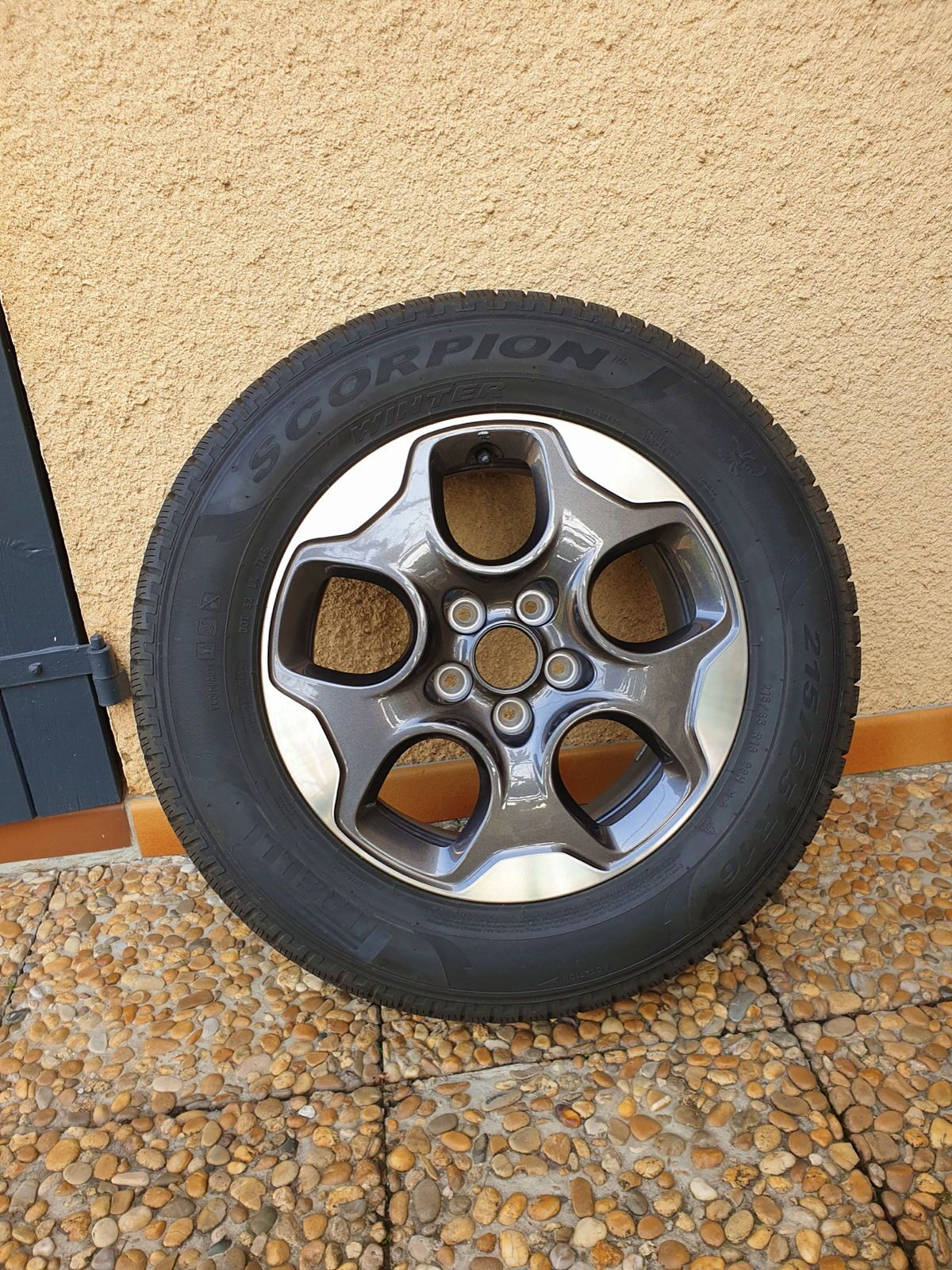 4roues neige, pneus Pirelli Scorpion - 215/ 65R 1698H