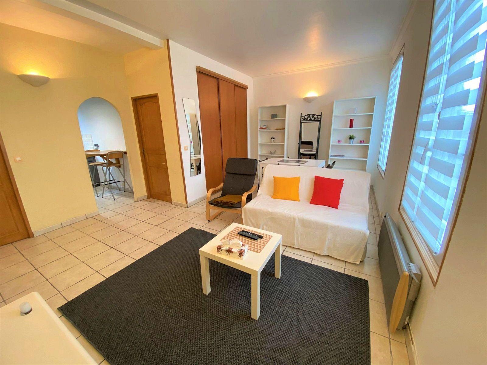 Loue appartement meublé T241m² Saint-Cloud (92) à quartier Montretout