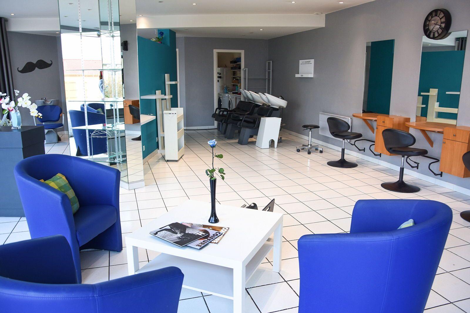 Loue beau salon de coiffure 100m² tout équipé au pied du Vercors - Saint-Laurent-en-Royans (26)