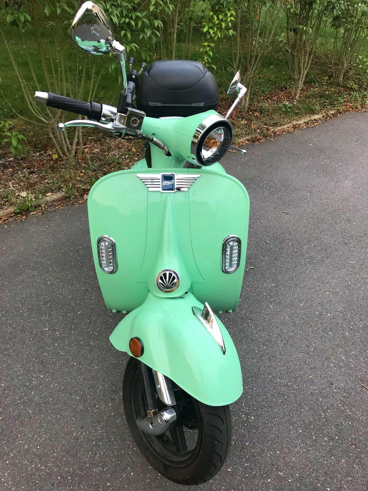 Scooter électrique Style Vespa Retro 50cc 400km